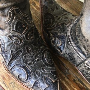 Corral Vintage size 10 boots
